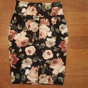 Vivienne Grace Skirts - Vivienne Grace Floral Pencil Skirt
